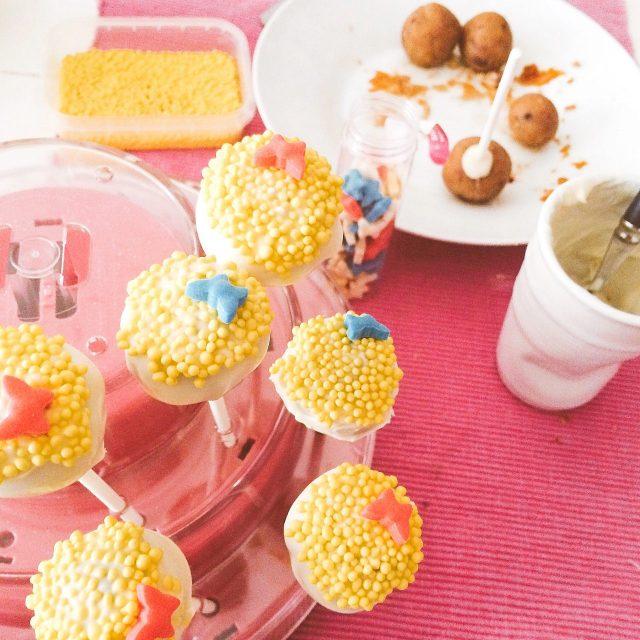 cake pops floreali al cioccolato bianco