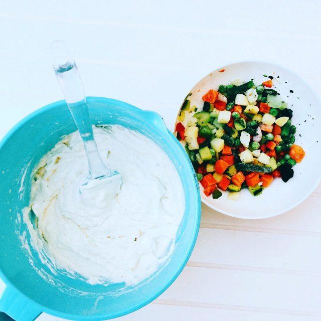 Torta rustica al minestrone e ricotta in preparazione