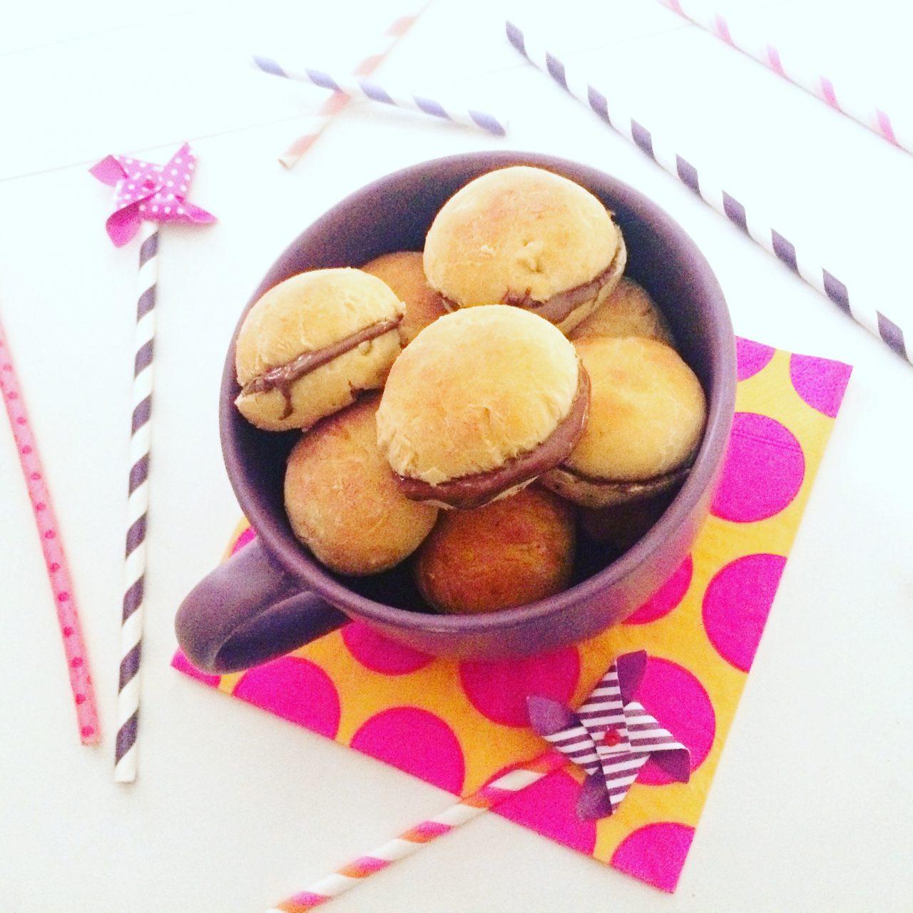 Panini con impasto di patate_farciti al cioccolato
