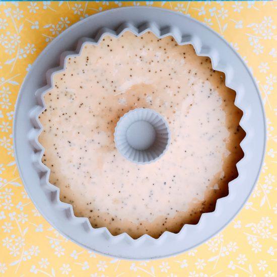 Torta pan di limone con semi di papavero da cuocere