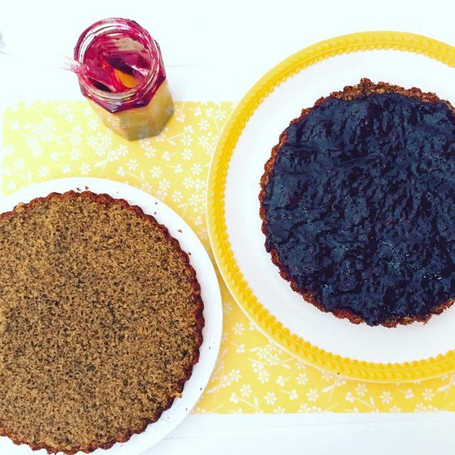 Torta morbida al grano saraceno_e marmellata frutti di bosco