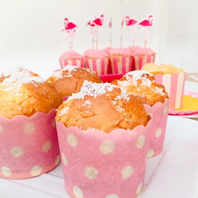 Muffin al cioccolato bianco e cocco (rosa)