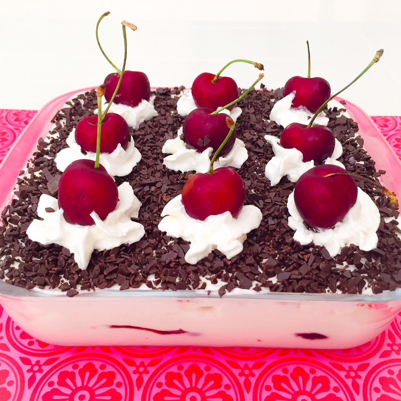 Torta foresta nera di biscotti_profilo
