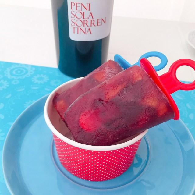 GHIACCIOLI VINO E PERCOCHE con bottiglia di vino