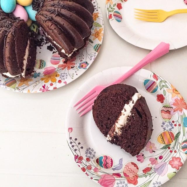 MOLLY CAKE AL CIOCCOLATO E CREMA DI RICOTTA_fetta nel piatto
