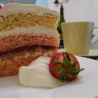 Swedish strawberry cake (jordgubbstårta) recipe