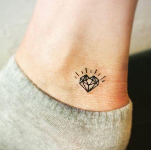 Tatuajes Chiquitos Para Mujeres Las Opciones Más Discretas Y Elegantes
