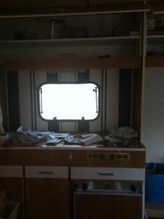 Die alte Küchenzeile erstrahlt langsam in neuem Glanz!