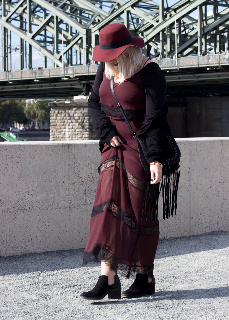 missesviolet-fashion-outfits-fashionkarussell-herbstlook-mit-lacedress-5