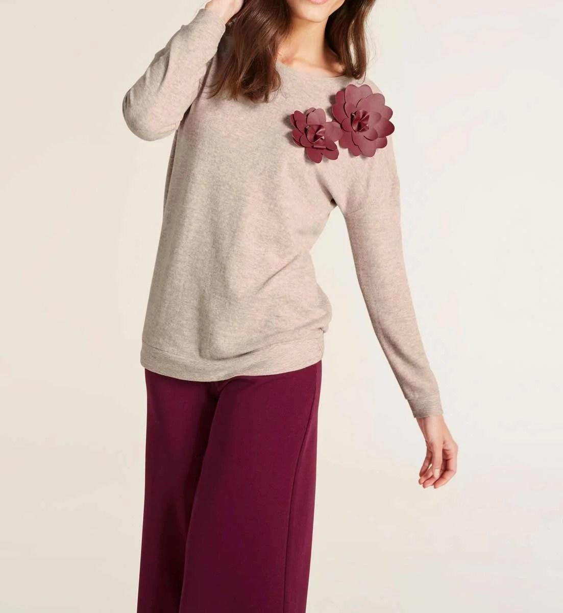 121.773 HEINE Damen Designer-Shirt m. Blüte Sand