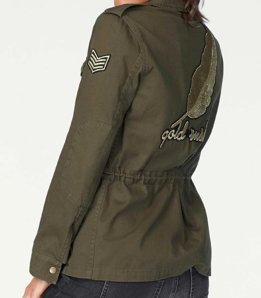 873.308 BLUE MONKEY Damen-Jacke m. Badges u. Pins Khaki Pailletten Military style