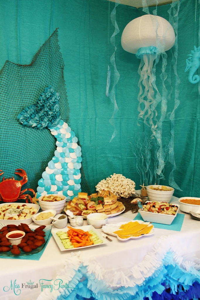Little Mermaid Under the Sea 1st Birthday Party Decor with DIY Jellyfish & Mermaid Tail | missfrugalfancypants.com