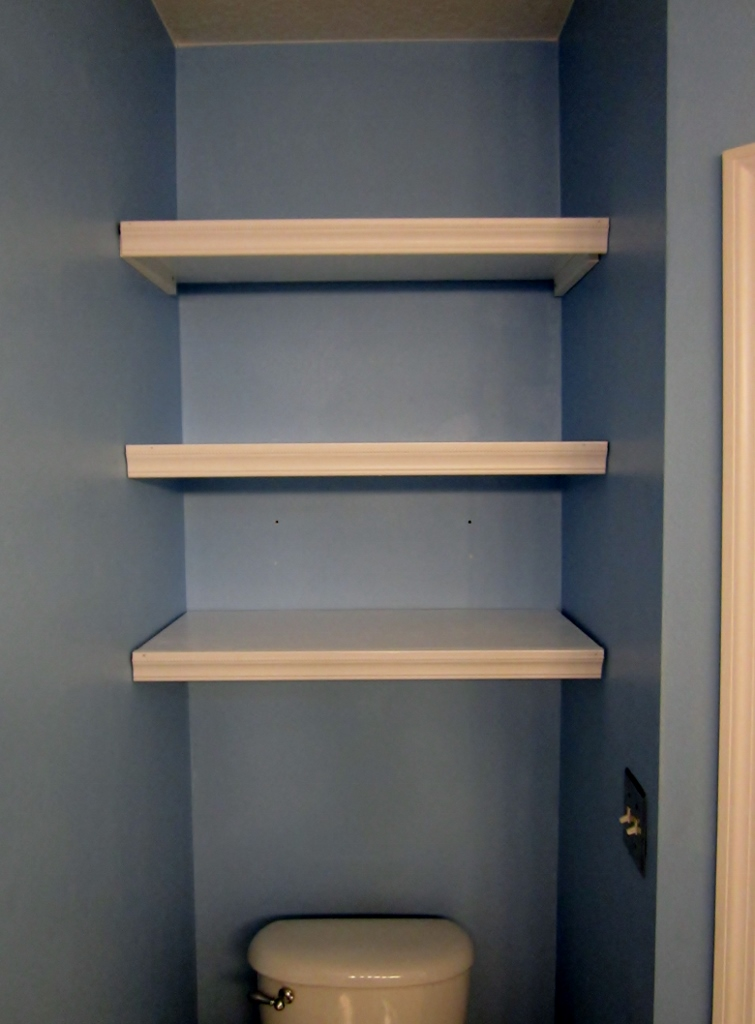 DIY Built In Bathroom Storage Shelves Provide Enough Space for Function AND Beauty Using the Alcove over the Toilet| missfrugalfancypants.com