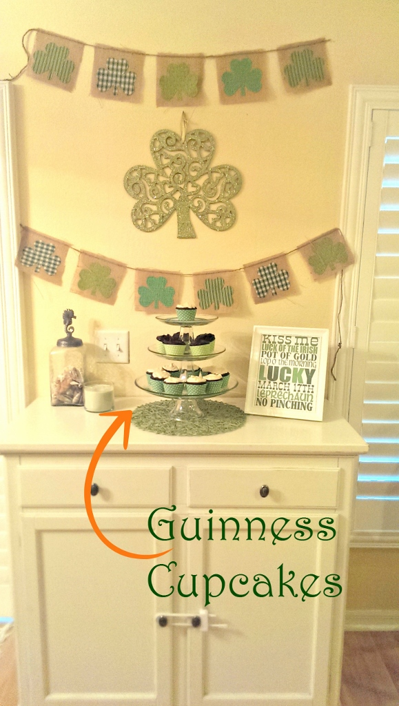 St. Patrick's Day Guinness Cupcakes | missfrugalfancypants.com