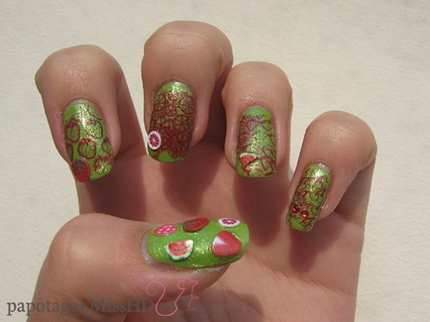 Fruits rouges nail art