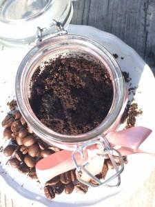 Kaffee Kokosöl Peeling