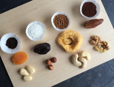 Pralinen aus Obst und Trockenfrüchten