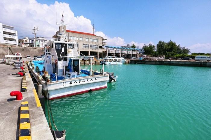 沖繩中頭美食【海人食堂】在漁港直接吃最新鮮的平價海鮮料理!讀谷村漁協直売店!名特產販賣/釣魚&潛水體驗
