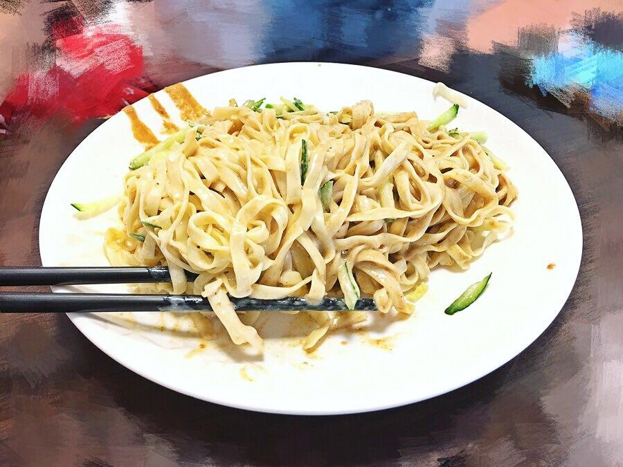台中西區美食【嘉義班長涼麵】向上市場超必吃早餐!向上北路好美味小吃!還有外送服務喲!