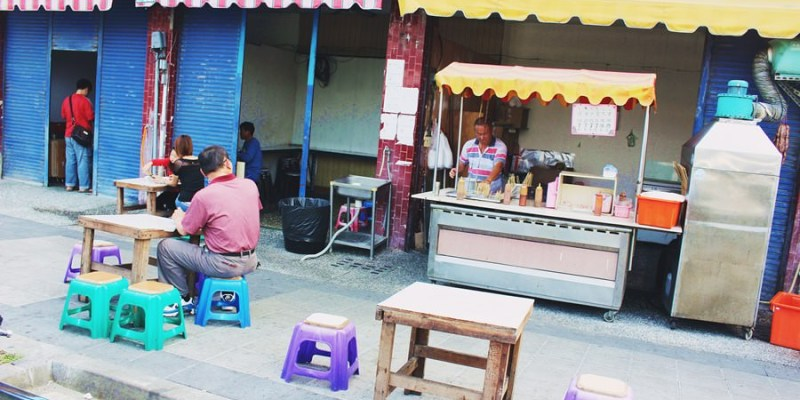 台東美食 四維路無名黑輪攤 超便宜台灣小吃 一串只要7元 銅板價就能吃到飽 台式下午茶