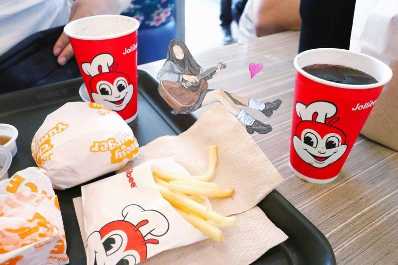 菲律賓美食【Jollibee快樂蜂】在地最夯速食店!吃炸雞就是要配白飯!Subic Bay 蘇比克灣自由港區初體驗!