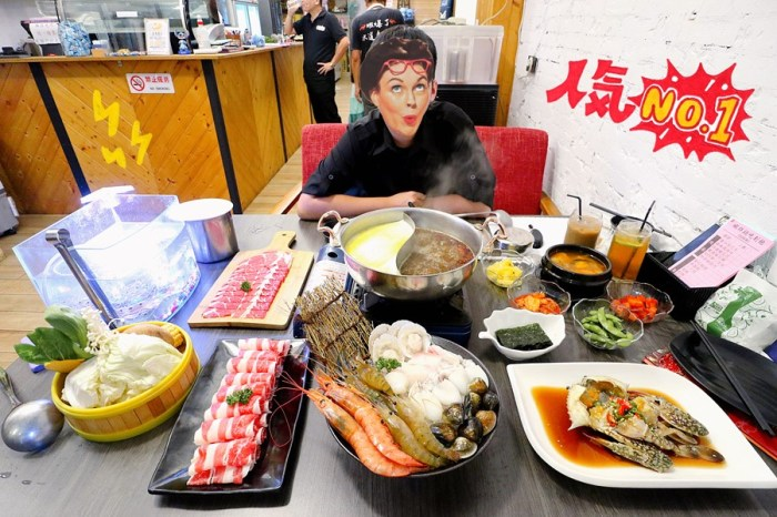 台中西屯美食【蝦拼鍋/醬蟹屋】台中人太幸福!不用飛出國就能吃到韓國醬油螃蟹啦!還有活跳跳泰國蝦吃到飽喔!