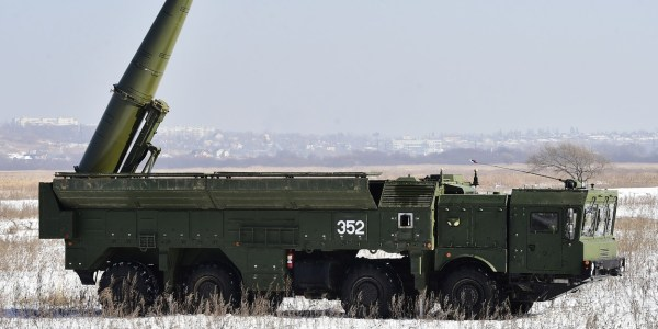 Russian Iskander-M Strikes Target in Missile Test