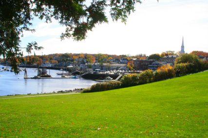 Красивый вид на залив Кэмдэна, штат Мэн. Источник living-in-stuttgart.com