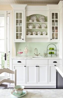 Мятный интерьер кухня. Источник houzz.com