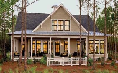 Стиль в архитектуре в пригороде Южных Штатов США