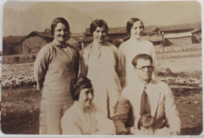Isobel and Stan Kuhn (front row). From a photograph held at the OMF International-UK archive in Sevenoaks