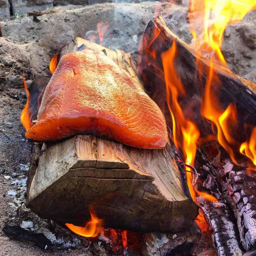 saumon sur la buche