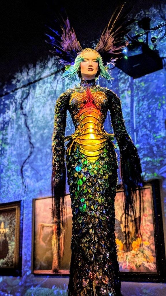 La Chimère de Thierry Mugler 1997-98é Exposition Couturissme