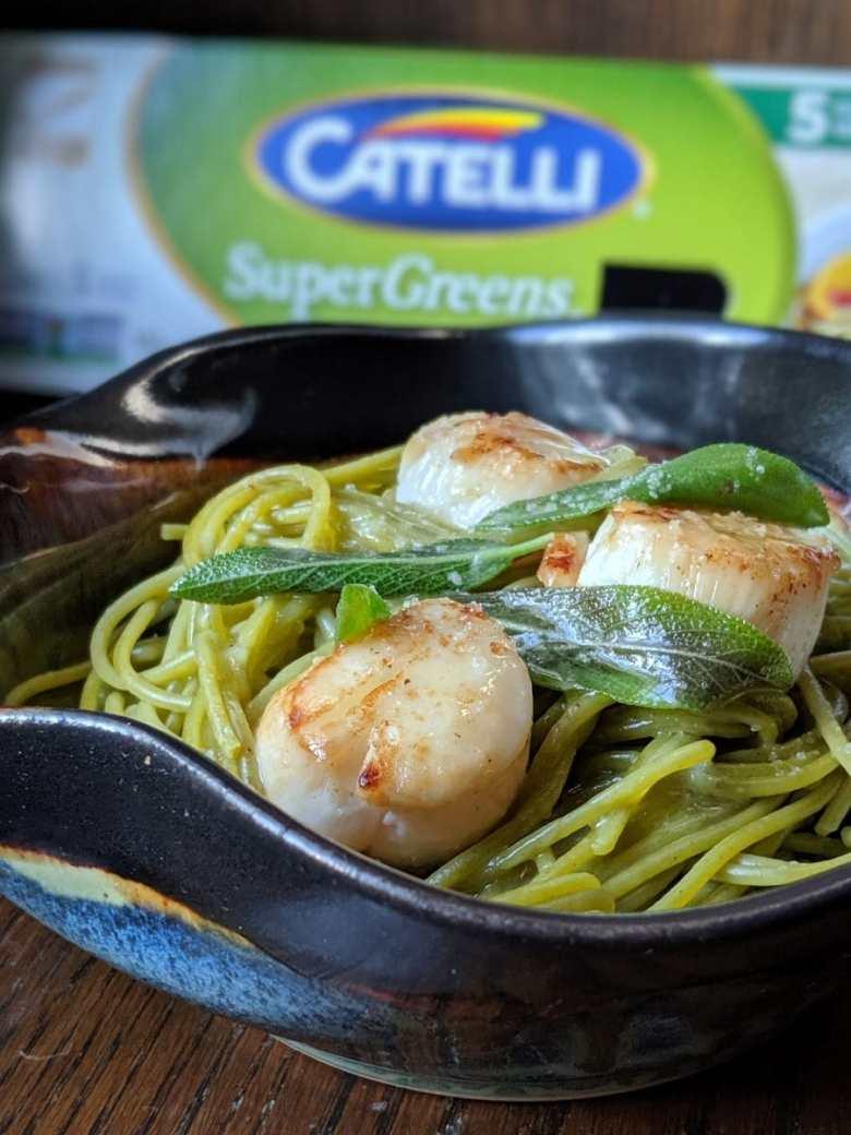 Inspiré par Catelli  des spaghetti supergreens aux pétoncles et beurre de sauge