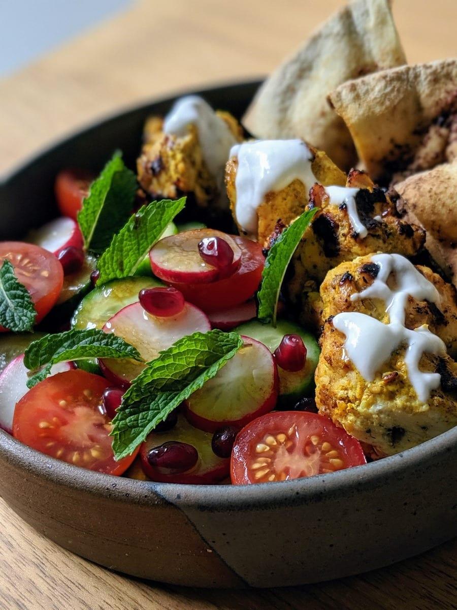 Résultat Brochettes de dindon  au zataar et sumac avec une salade fattoush