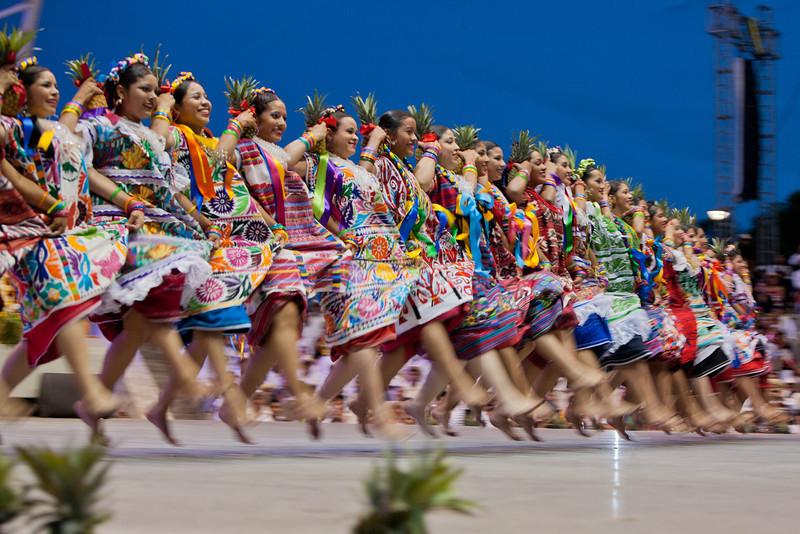 Flor de Pina, Oaxaca, Guelaguetza, Dave Millers Mexico, Tuxtepec