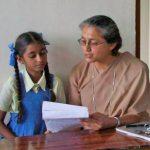 Sister Meera et une élève