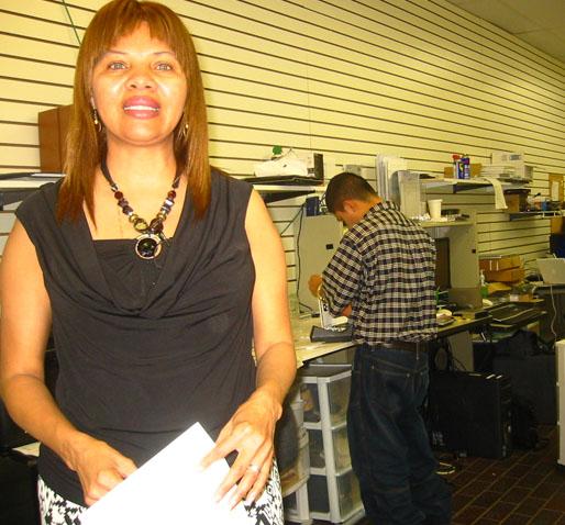 Alty Leibowitz, quien es propietaria de The Network Store junto con su esposo Larry.