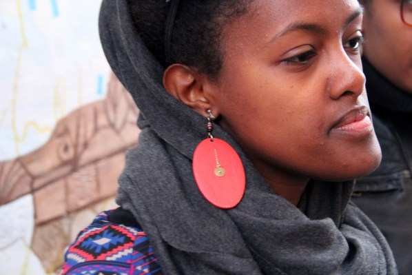 Attendees looked sharp in detailed accessories, like these earrings.