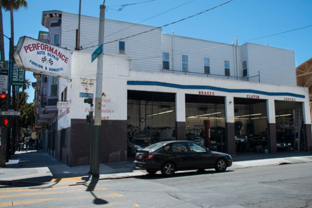 Discount Auto Performance at 1900 Mission St., the site of the planned development. Photo by Lola M. Chavez