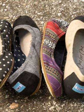 TOMS promo code to save $10 and Free shipping