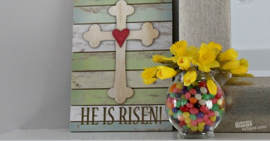 Spring is in the air! And since spring also means Easter, take a look at this super easy Jelly Bean Jar DIY Easter Centerpiece. Your Easter table decorations are set.