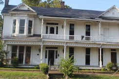 Lundy House: Once a stagecoach stop and hotel in Lexington