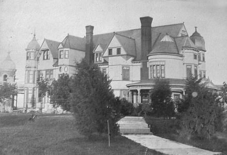 Hubinger Mansion; courtesy of Keokuk Public Library