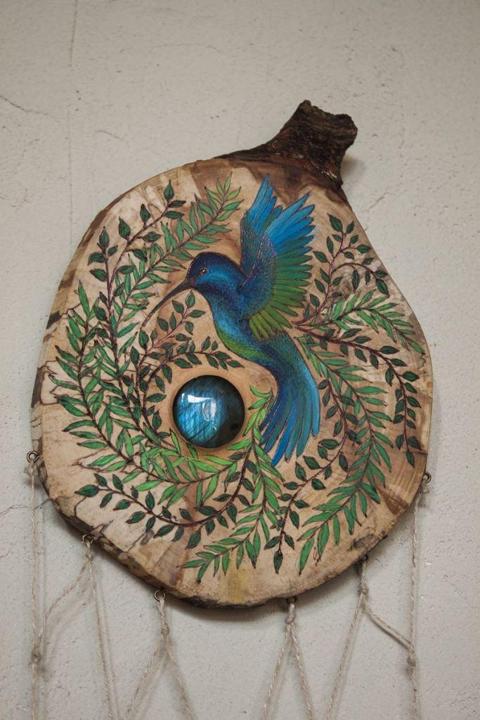 colibri bleu, labradorite, oiseau, décoration, artisanat français, écologique, nature, atelier de la lettre aux ours, missive to bears, suspension murale