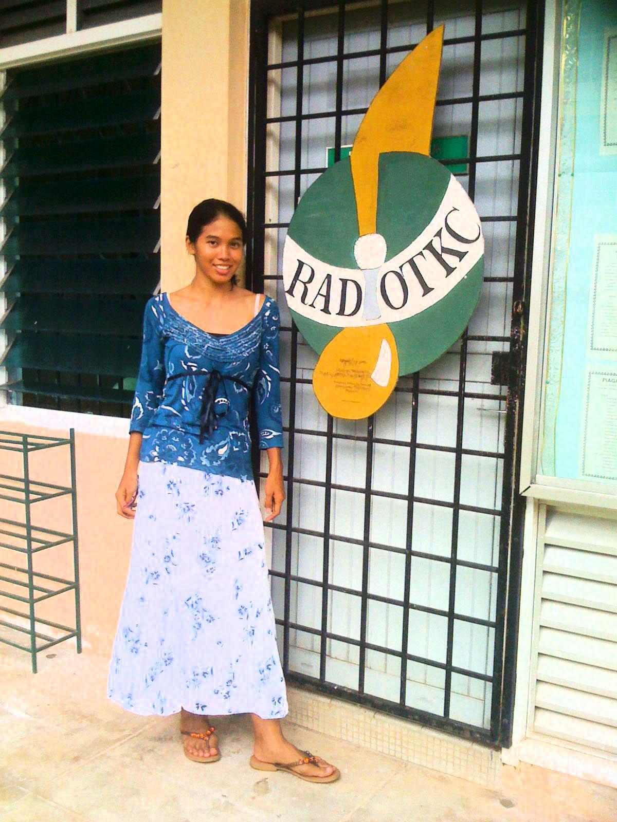 cherishing the high skool memories..hahaha..jalan2 at TKC after Eddy's wedding. Visited my dorm, Kemuning,Tun Fatimah (Blue House), the skool hall,office etc..