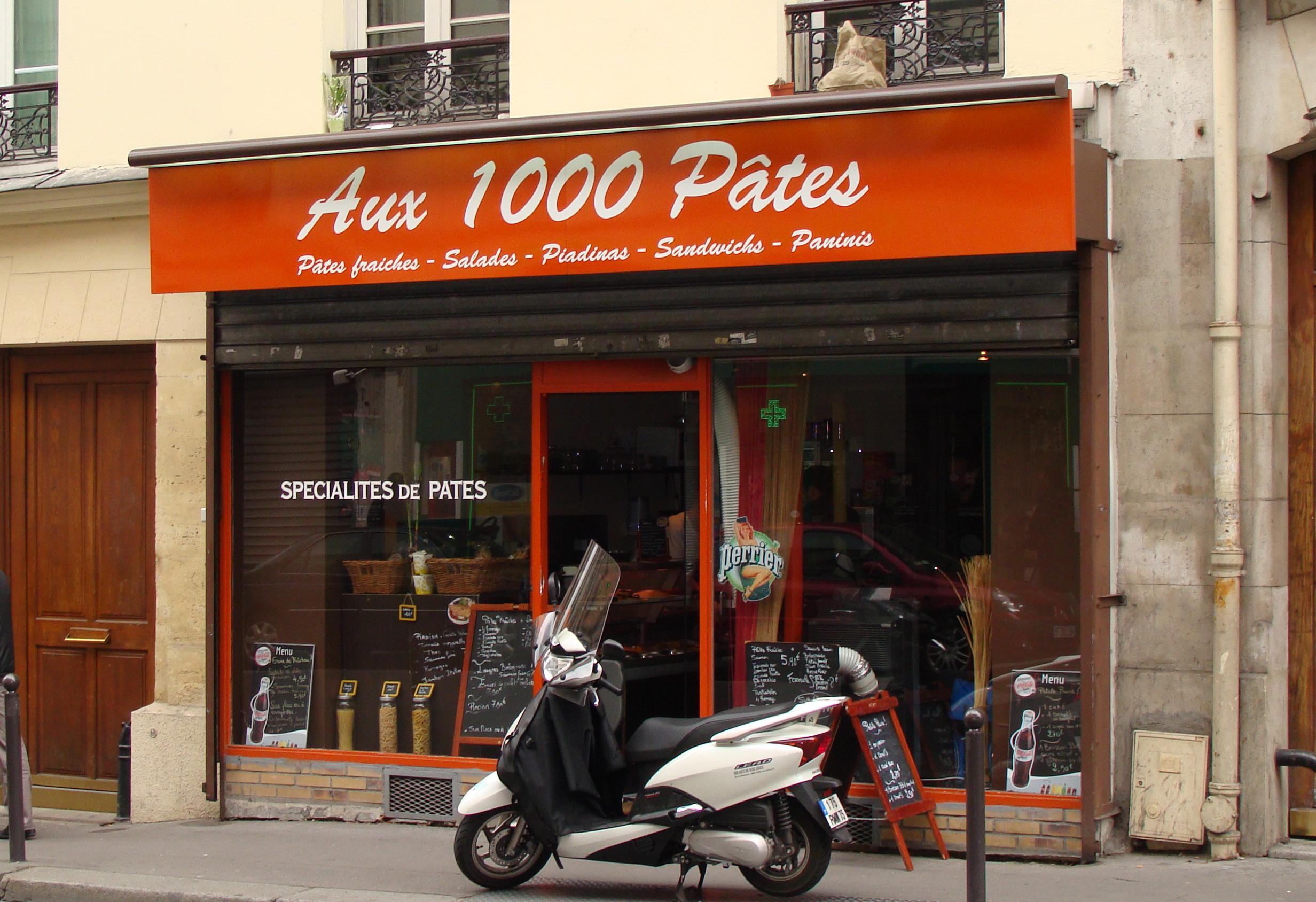 Commençons par Paris, puisque c'est dans cette belle ville que j'ai aperçu le premier commerce qui m'a accrochée...