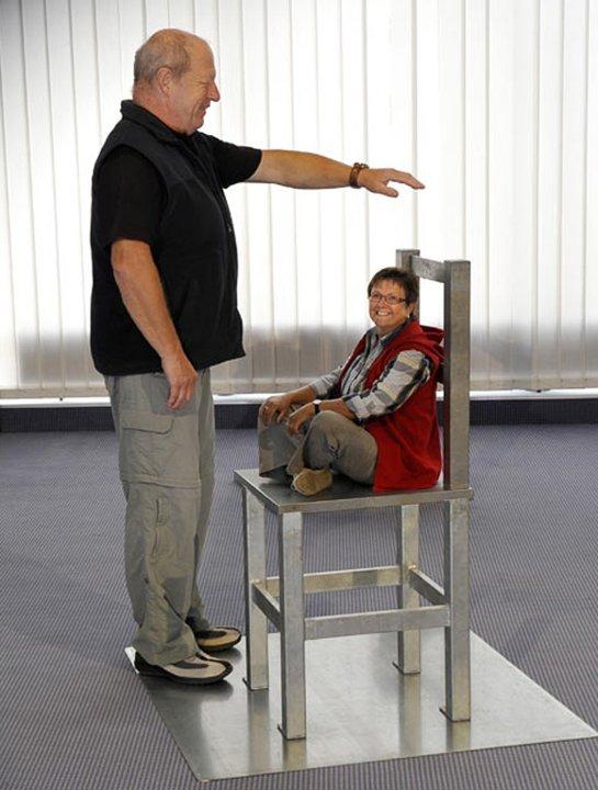 Brain-Chair-Illusion_085558