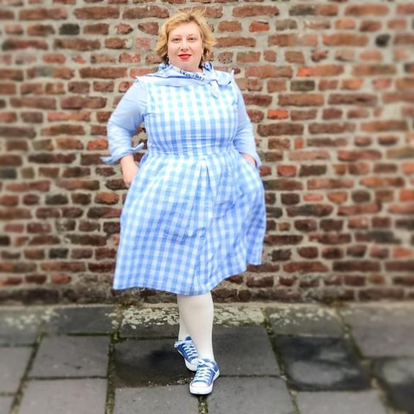 Miss Kittenheel |vintage |plus size | style |Delft |Holland |Gingham