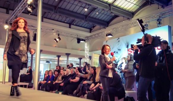 Miss Kittenheel MBFW16 Curvy FashionWeek Berlin 2016 runway show GermanCurves
